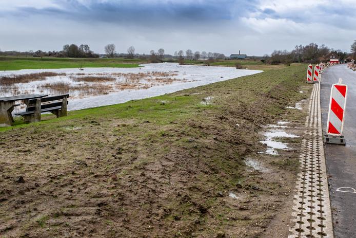 Het gebied waar mogelijk de dijk met de schuif komt, vlakbij de N271.