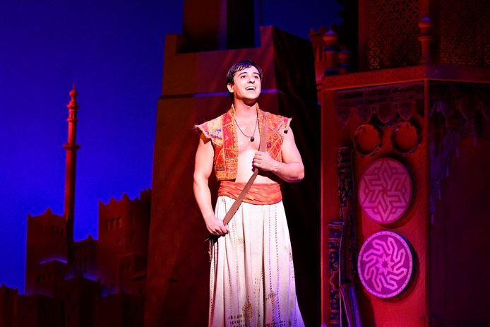 Jonathan Vroege als Aladdin.
