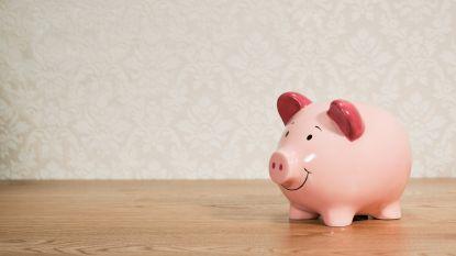 Aparte rekening of niet? Zo praat je met je partner over geld