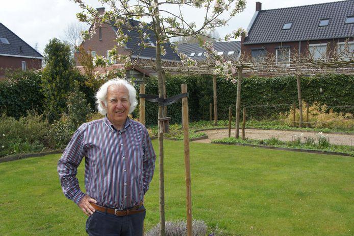 Leen van Driel, auteur van het boek 'Als oorlog het dorp overvalt'