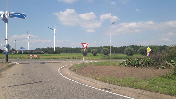 Een beruchte plek, op de kruising van de Strijpenseweg en de Zevenbergseweg. Op die plek, bij de Zwartenbergse Molen, gebeuren geregeld ongelukken.