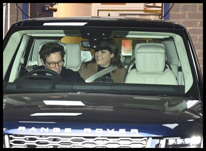 Prinses Eugenie en Jack Brooksbank rijden weg van het ziekenhuis.