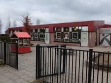 Een streep door chaos en onveilige situaties: gemeente Vijfheerenlanden stelt veilige schoolzones in