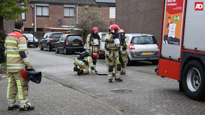 De mysterieuze lucht die gisteren werd geroken door bewoners in Lelystad blijkt afkomstig te zijn van een benzine-achtige stof die is aangetroffen in het riool.