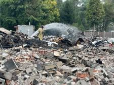 Verwoestende brand op vakantiepark in Luyksgestel had erger uit kunnen pakken, asbest uren voor vlammenzee verwijderd