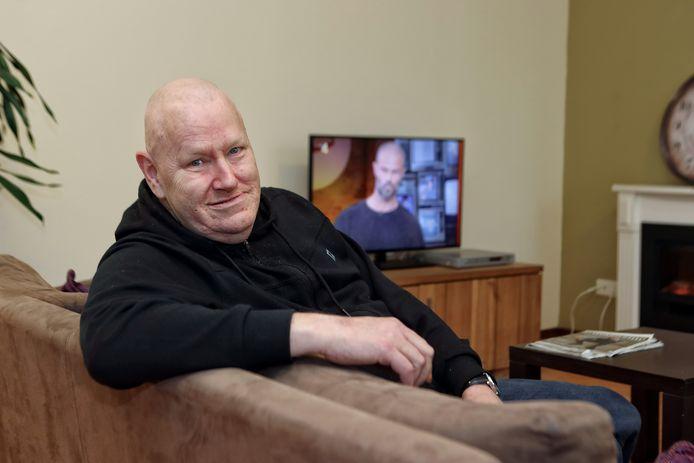 Na jaren op straat geleefd te hebben, voelt de 56-jarige Corné uit Zegge zich de hemel te rijk in zijn nieuwe thuis in een GGZ-pand in Bergen op Zoom. Sinds december kunnen daar zes daklozen terecht.