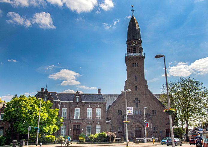 Definitief: de Antonius van Paduakerk en de pastorie ernaast, beide rijksmonument, hebben een nieuwe bestemming.