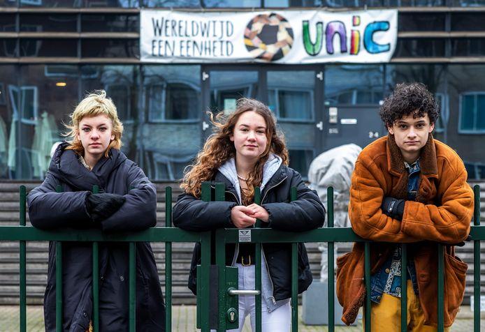 v.l.n.r. Sinne Hoogerwerf, Marie Gravesteijn en Yannick Brito Alves, leerlingen van UniC in Utrecht.