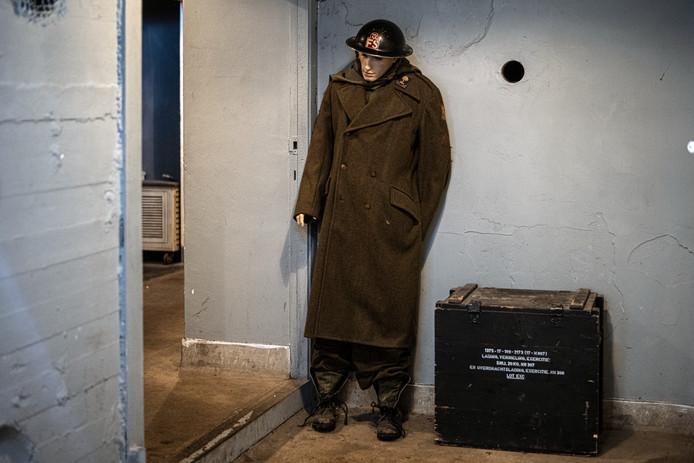 Een soldatenpop moet bijdragen aan de oorlogssfeer in de Escape Bunker. Op deze plek was in de oorlog een belangrijke afluisterlocatie van de Duitsers.