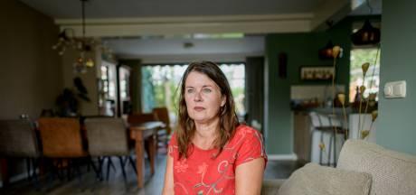 Ingrid uit Enschede is gedupeerde toeslagenaffaire: 'Ik heb twee jaar gewerkt voor, uh, de kat z'n viool'