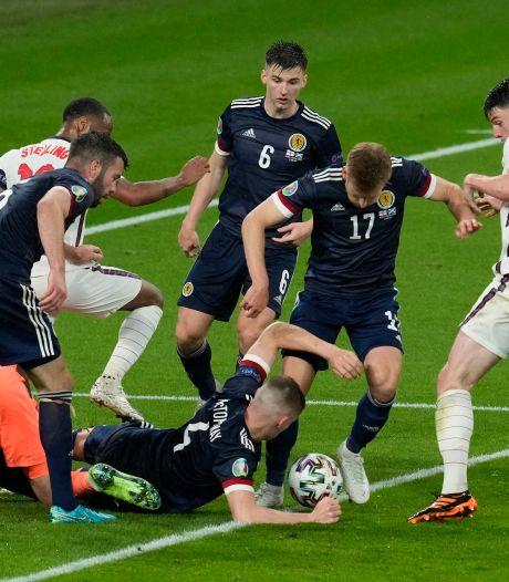 Heldhaftig Schotland houdt Engeland in bedwang na vermakelijke Battle of Britain