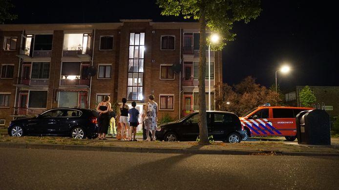 Bewoners moesten vannacht buiten wachten terwijl er onderzoek werd gedaan.