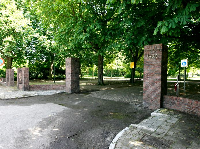 De ingang van het Wantijpark