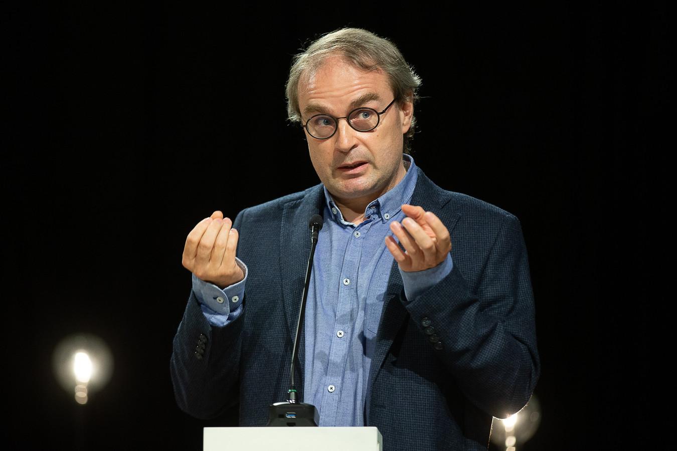 Specialist infectieziekten UZ Gent Prof. Dr. Steven Callens