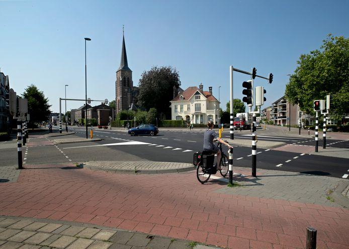 Het kruispunt bij de Brabantialaan en de Voorbeeklaan is een van de eerste plekken aan de Eindhovenseweg die wordt aangepakt.