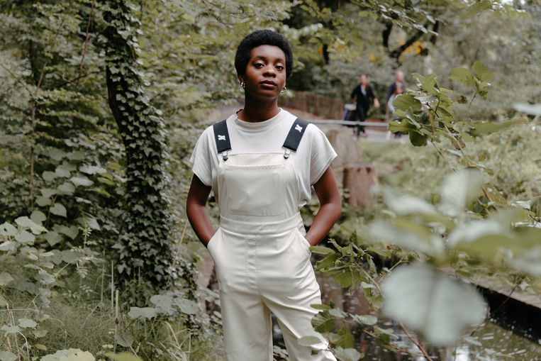 MNM-dj Esther Nwanu. Beeld Damon De Backer