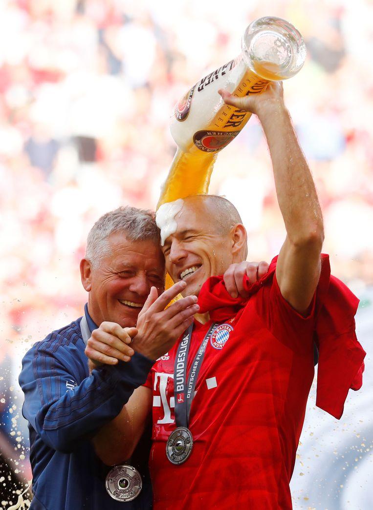 Arjen Robben nam dit seizoen al afscheid bij Bayern München, maar liet aanvankelijk de optie open dat hij naar een andere club zou gaan open. Beeld REUTERS