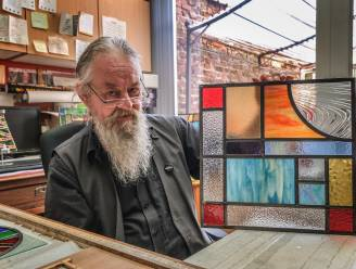 """Coronacrisis noopt Bart (59) zich om te scholen tot glaskunstenaar: """"Vingertoppen krijgen het hard te verduren"""""""