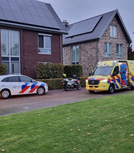 Gewonde persoon die in woning Rhenen gevonden werd, is overleden in ziekenhuis