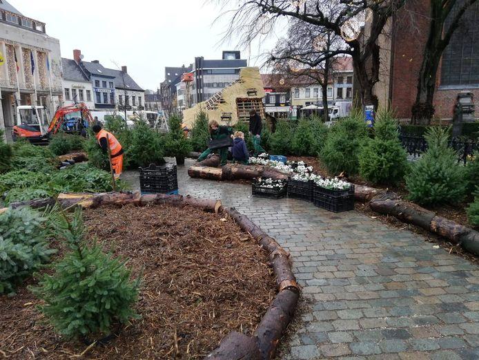 De opbouw van de Wintertuin op de Grote Markt in Turnhout vorig jaar.