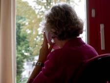 Ouderen eenzamer in de zomer, hulpdienst krijgt meer telefoontjes