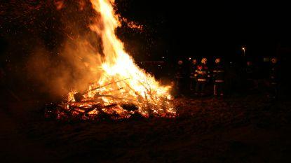 Jeugdhuis Den Borduur haalt kerstbomen op in Tremelo en Baal
