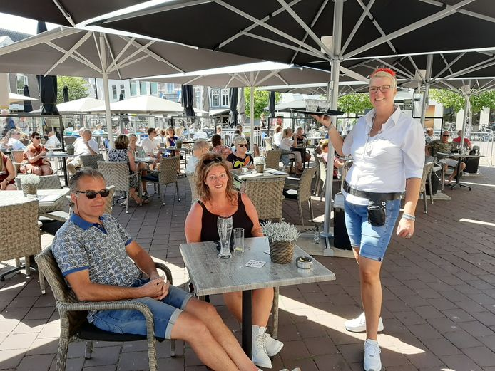 Marina Nagelhout viert vandaag haar 20-jarig jubileum bij Luigi's in Harderwijk.