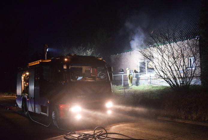 De brand in de leegstaande woning aan de Nieuweweg in Doetinchem is volgens de brandweer waarschijnlijk aangestoken.