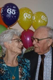 Dick (90) en Tine (89) kennen elkaar al 72 jaar: 'We konden heel snel trouwen'