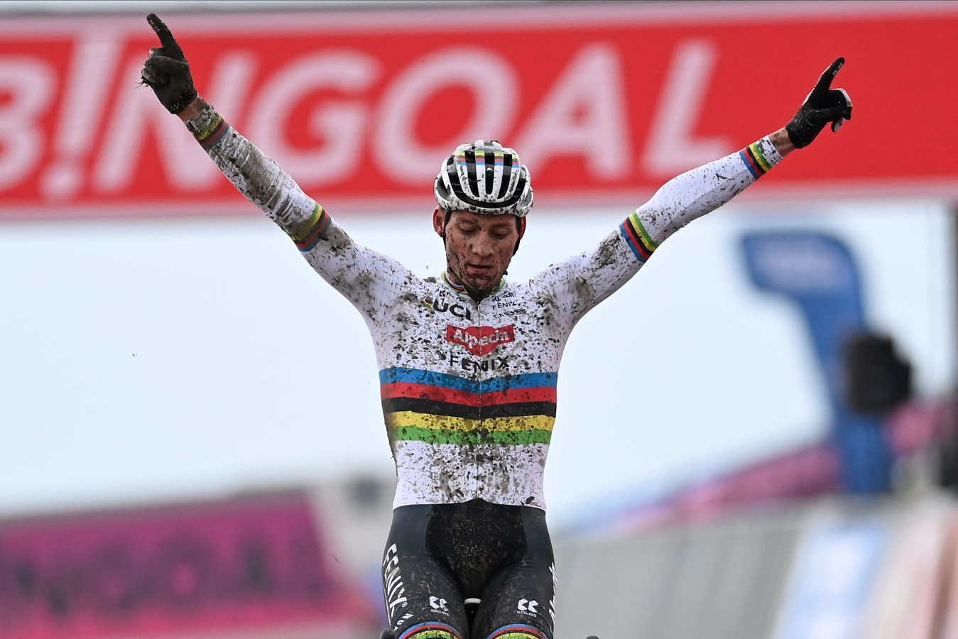 Mathieu van der Poel won in Hulst.
