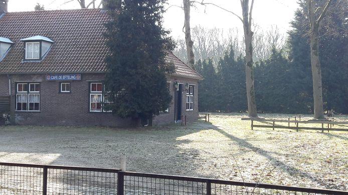 Café De Efteling in Kaatsheuvel was vroeger een drukke pleisterplaats toen de Horst nog de doorgaande weg tussen Waalwijk en Tilburg was.