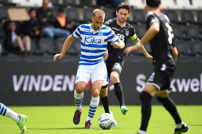 De Graafschap-voetballer Danny Verbeek was verantwoordelijk voor de 1-1 en stond aan de basis van de 2-2 tegen Heracles Almelo.