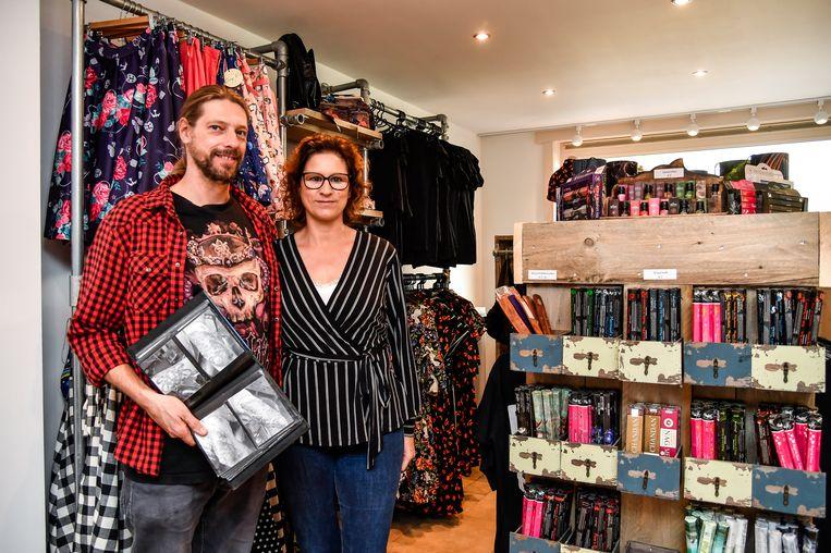 Jean Van Spittael en Nathalie Joos zijn trots op hun nieuwe zaak.