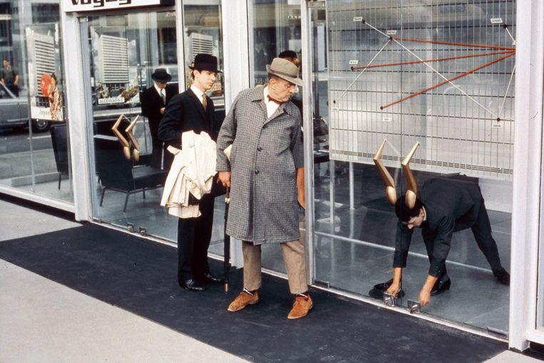 Jacques Tati als Moniseur Hulot in Playtime (1967) Beeld Eye Filmmuseum