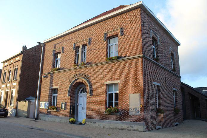 Het gemeentehuis van Pepingen.