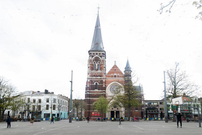 De Sint-Norbertuskerk op de Dageraadplaats.
