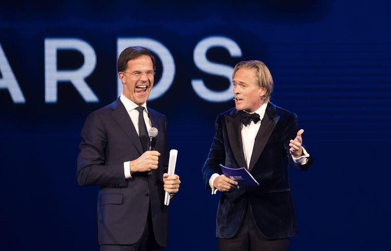 Minister-president Mark Rutte en Jort Kelder openen het Maritime Awards Gala 2016. Beeld ANP