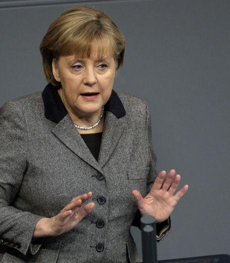 Grèce: Merkel espère que l'Eurogroupe débloquera des fonds