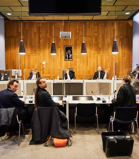 Avondklok blijft van kracht, hof schort vonnis rechter op