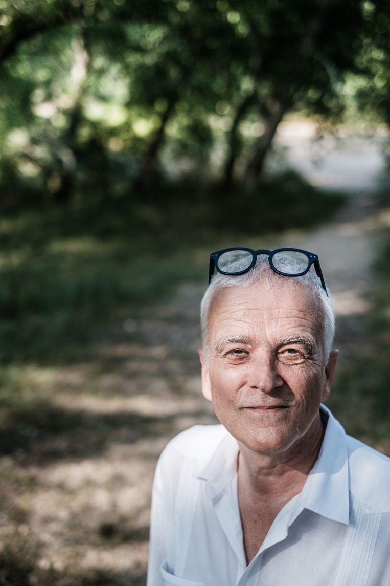 'Criminaliteit wordt in onze maatschappij heel makkelijk verbonden aan kleur, maar kijk eens door de armoedebril.' Beeld Bob Van Mol