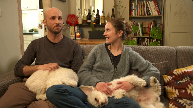 Pablo en Maya in 'Op een ander'. Beeld SBS