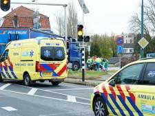 Fietsster komt onder vrachtwagen terecht in Rhenen