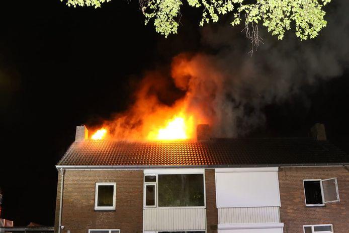De woning aan de Jorisakkerstraat in Helvoirt liep door de brand grote schade op.