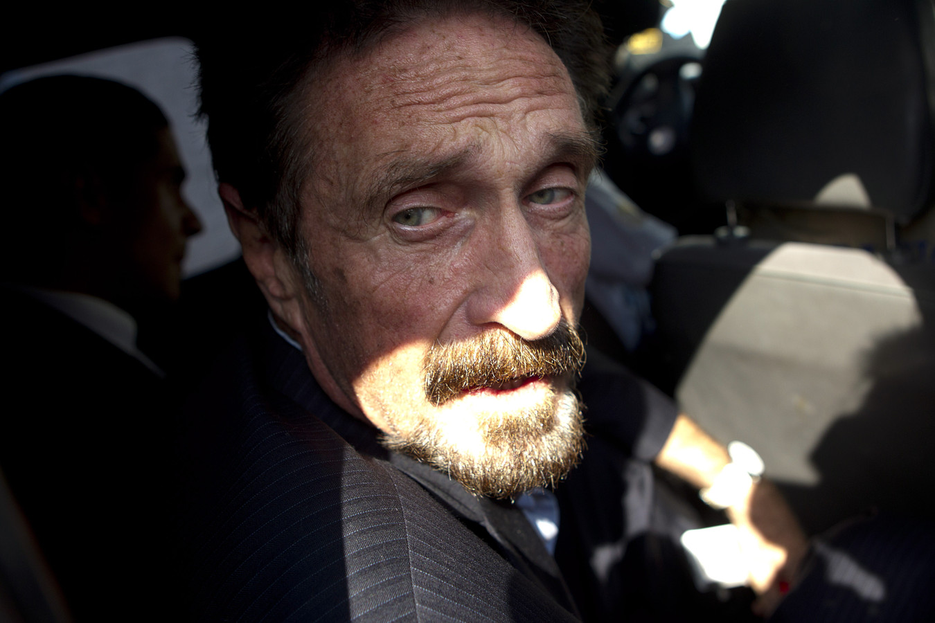 Devenu gourou des cryptomonnaies, John McAfee avait été arrêté en octobre 2020 à l'aéroport de Barcelone puis placé en détention provisoire.