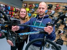 Marloes en Hans openen een winkel in BMX-artikelen: 'Niet logisch dat er in de Randstad nog geen verkooppunten waren'