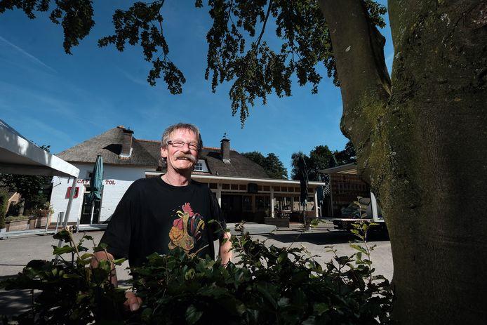 Henk Kelder bij De Tol, waar de biografie over de voorzitter van het Anhangerschap wordt gepresenteerd op zaterdag 4 september.