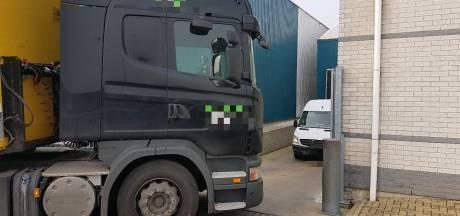 Vrachtwagenchauffeur gaat op de vuist in Ter Aar