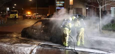 Bewoners Hoogeveen bezorgd na nieuwe autobrand in Lomanlaan