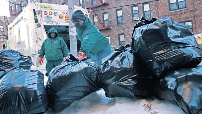 Hoewel het als vuilnisman keihard werken is, hebben zich dit jaar al 94.000 mensen gemeld voor de 500 vacatures.