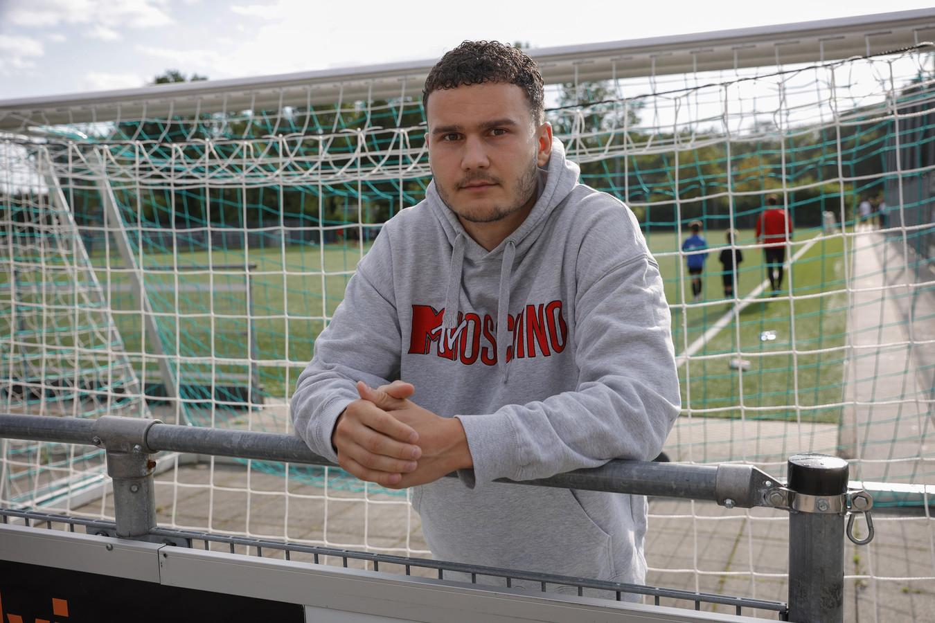 Menno Vooges werkt na een gescheurde kruisband hard aan zijn herstel bij derdedivisionist Barendrecht.